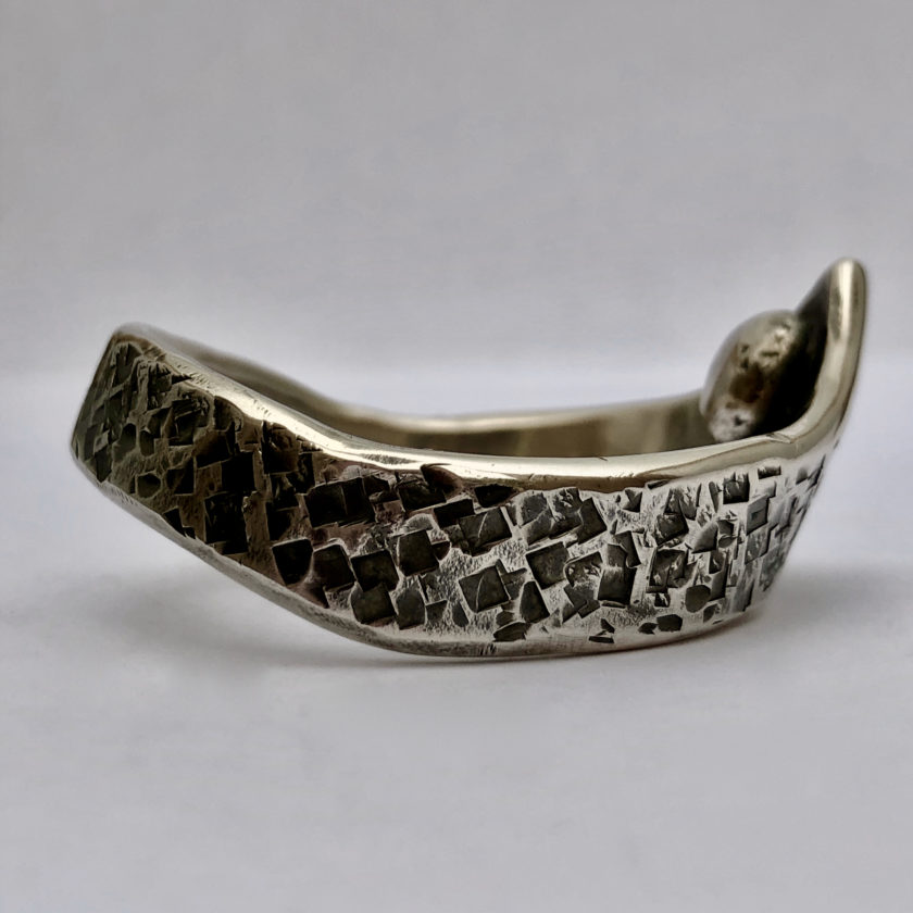nyte-odin–structure-hammered-sterling-silver-2