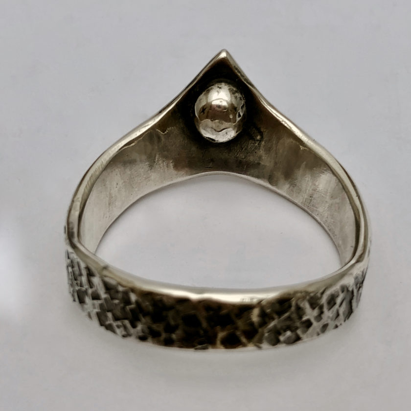 nyte-odin–structure-hammered-sterling-silver-3